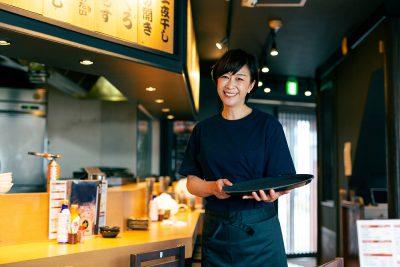 Izakaya : Bar japones donde ofrece comida local