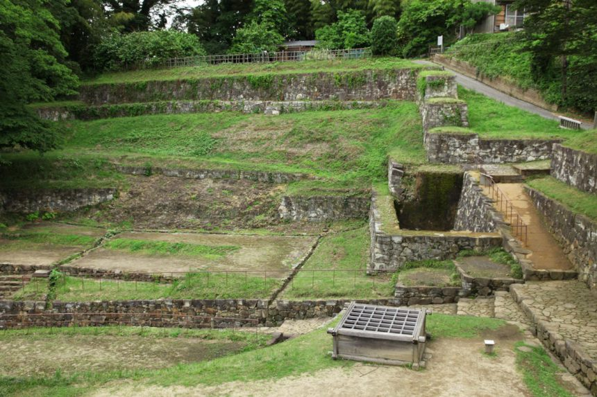 ruina de castillo en gunma